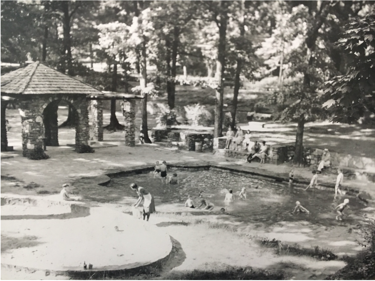 Children frolic in the Arhelger Memorial pool when it was new in the 1930s. Robinson-Spangler Carolina Room, Charlotte Mecklenburg Library